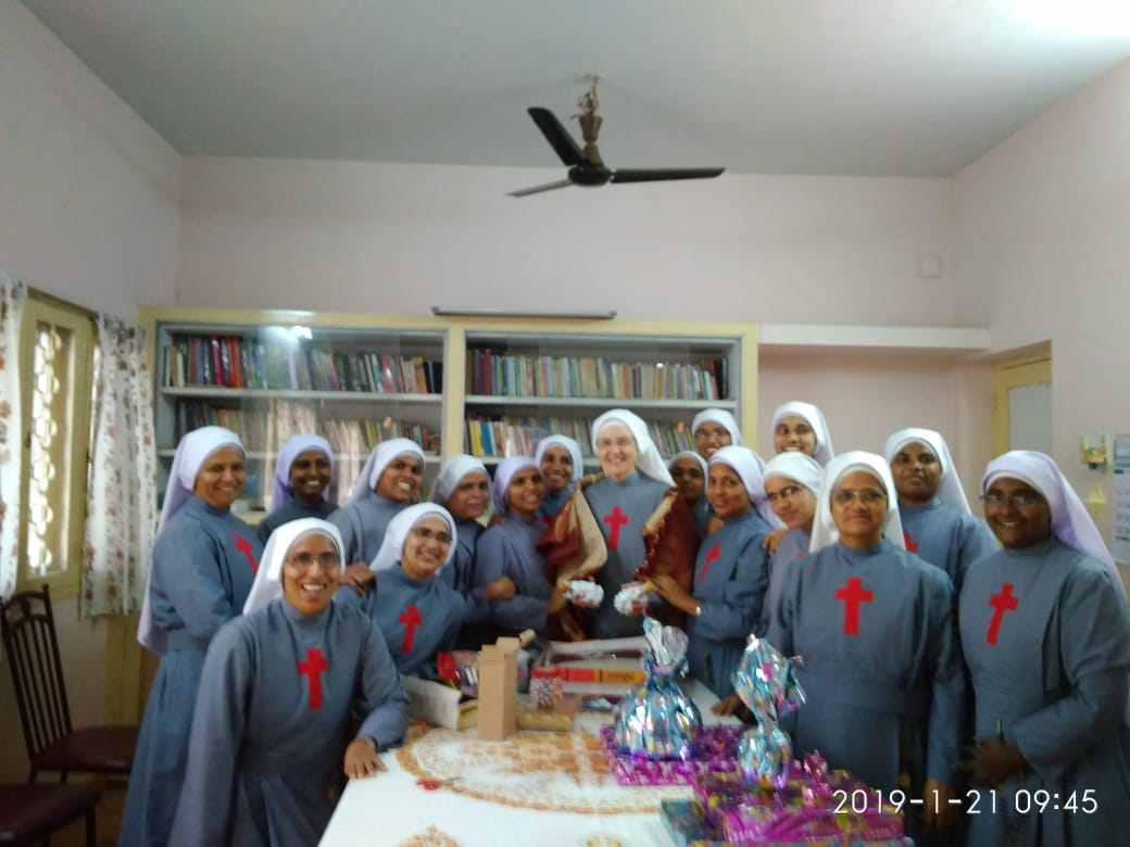 Mother General with the community of T.P.G School